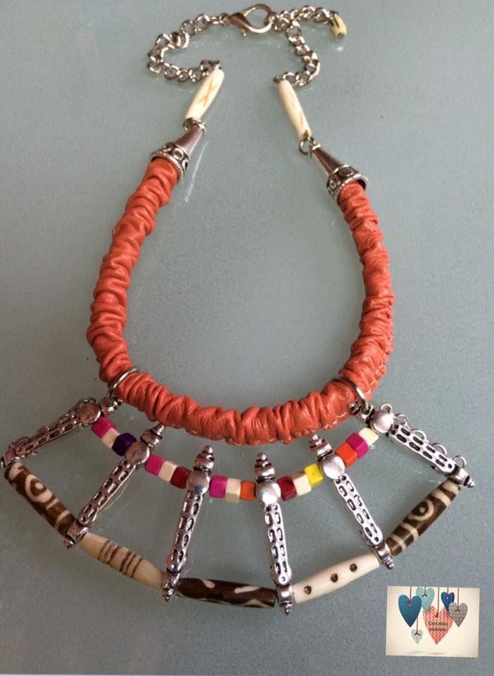 dbf5e629a0af Collar realizado a mano en cuero y hueso