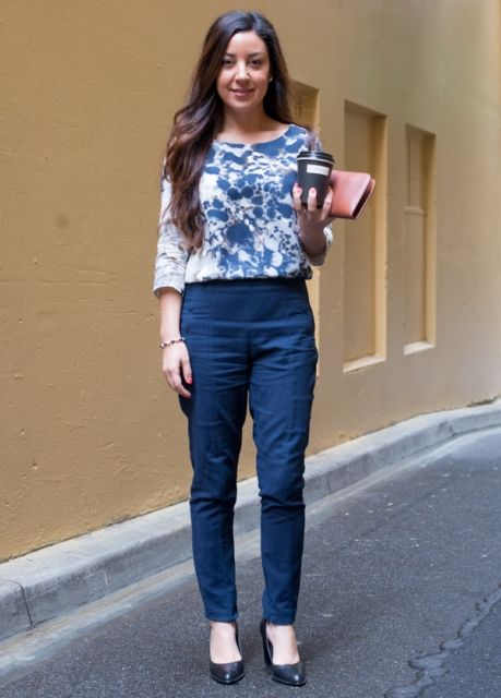 883f1c6b2e With printed blouse and black shoes Blue Trousers Outfit, Navy Pants, Trouser  Outfits,