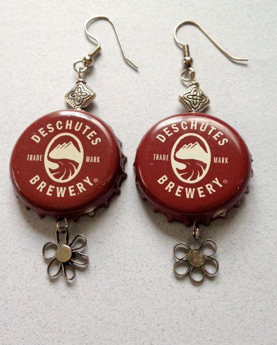 Pin By Artenreciclar On Diy In 2020 Beer Cap Crafts Bottle Cap Jewelry Bottle Cap Crafts