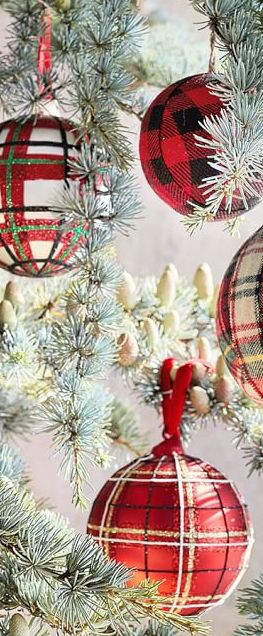 Plaid Ornaments | Rustic Christmas Decorating Ideas