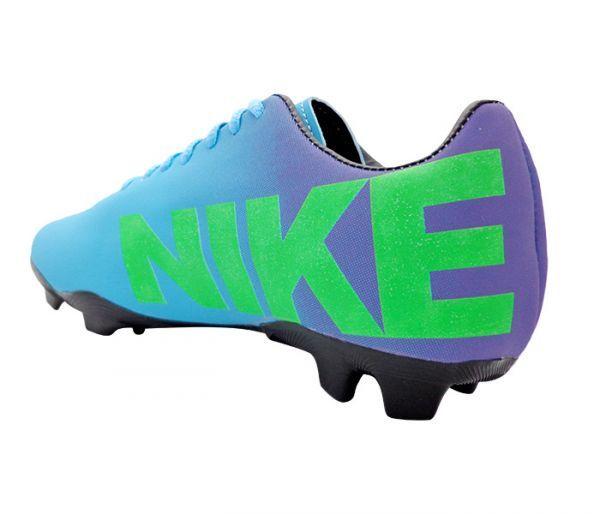 35cf49d3d Chuteira Nike Mercurial Roxa e Azul Bebê - Cabedal confeccionado em  material sintético. Conta com