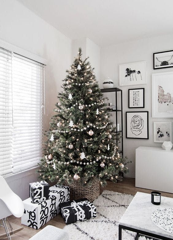 Our Absolute Favorite Christmas Tree Decorating Ideas for 2017 #christmastree