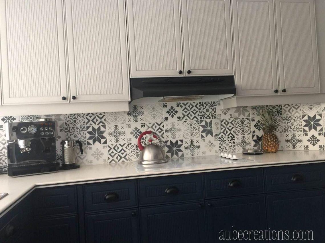 Repeindre Des Carreaux Avec De La Chalk Paint Et Des Pochoirs Decoration Interieure Cuisine Relooking Cuisine Repeindre Meuble Cuisine