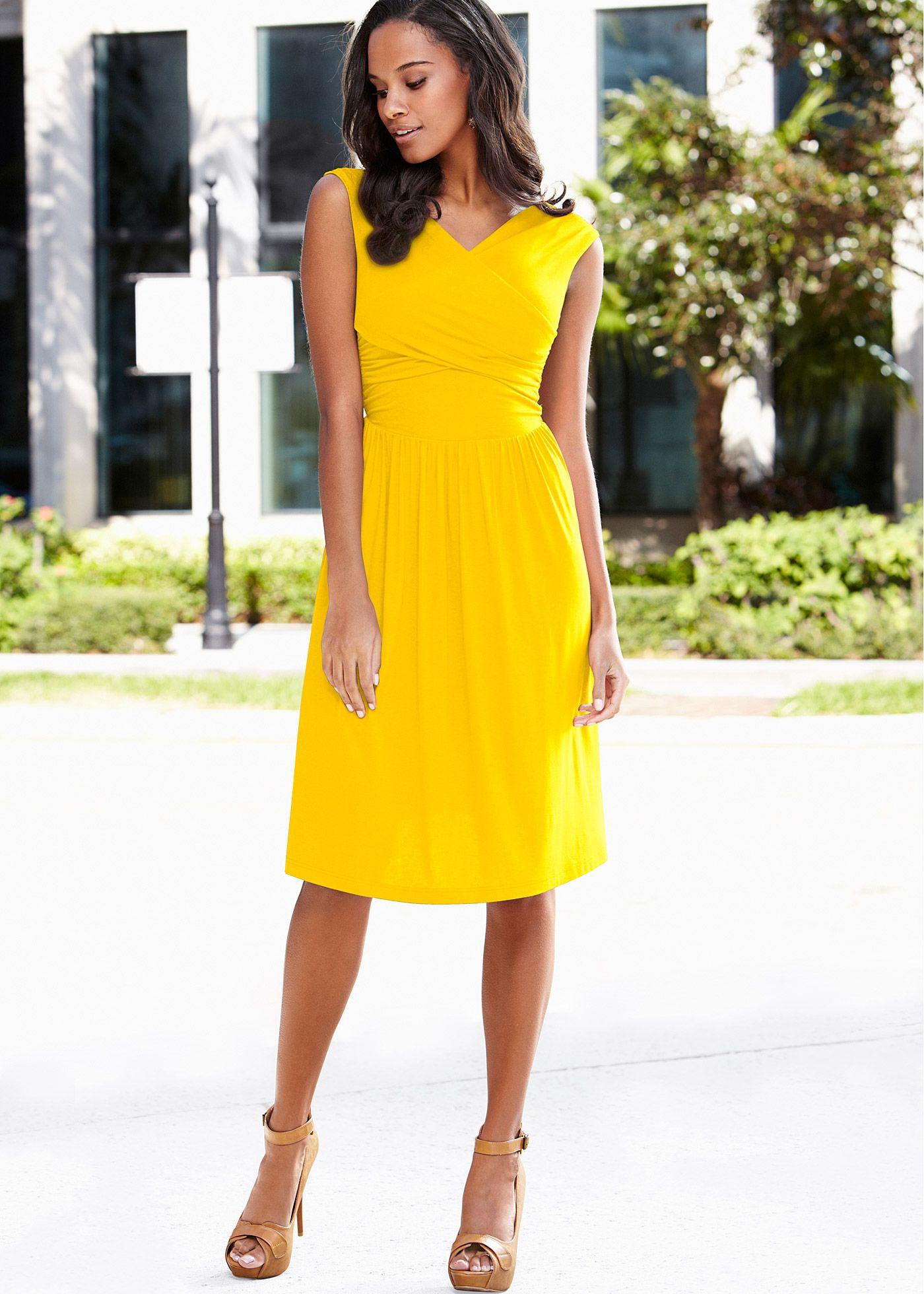 877570625 Vestido transpassado azul-escuro encomendar agora na loja on-line bonprix.de  R$ 89,90 a partir de Exala pura feminilidade! Vestido com decote  transpassado, ...