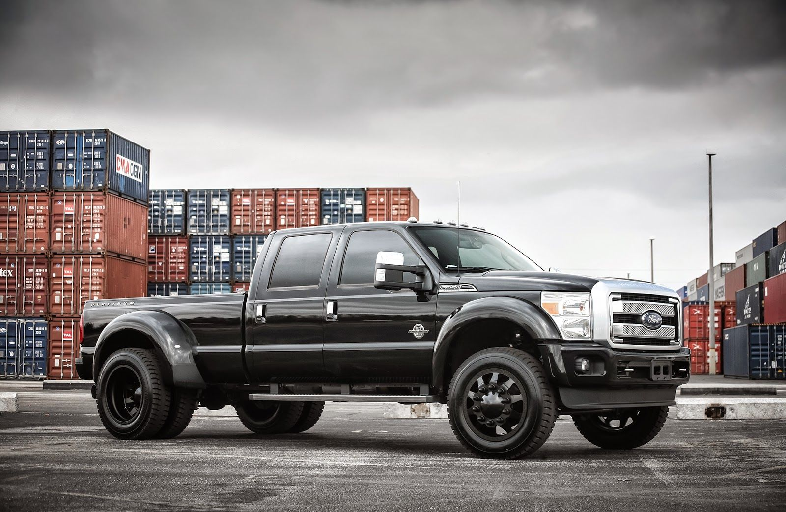 Exclusive-Motoring-Ford-F350-Platinum-dually-On-American-Force ...
