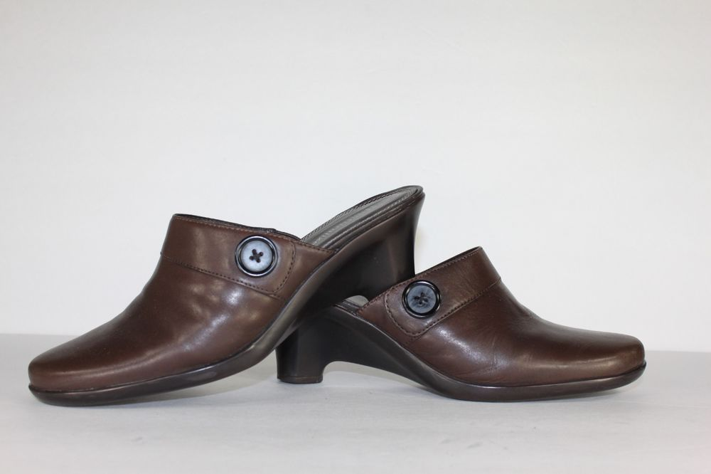 "Womens NATURALIZER Heels / Soft Brown Leather 2.5"" High Heel Mules / Size 7.5 M"