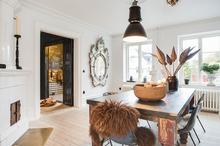 La maison de Marie Olsson Nylander à vendre Interiors, Room and Dining