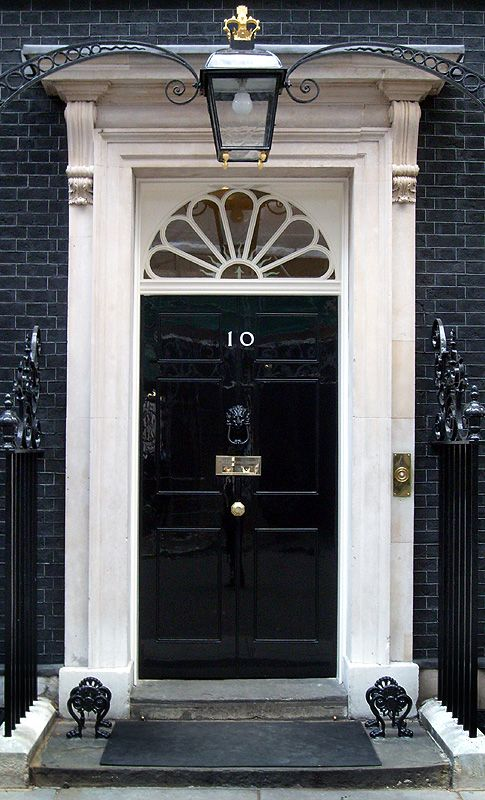 10 Downing Street Prime Minister S Official Residence Http En Wikipedia Org Wiki 10 Downing Street Https Www Gov Uk Government His London Doors Front Door