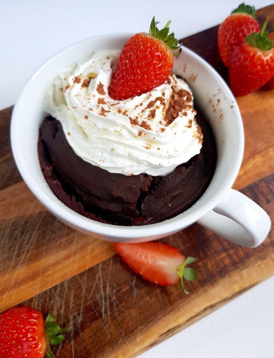 Keto Chocolate Mug Cake - Deliciously Moist 1 Minute Keto Dessert #mugcake