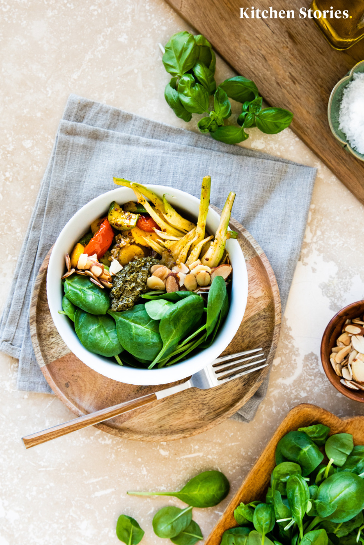 Zucchini Quinoa Bowl Mit Fenchel Und Spinat Rezept Mit Video Kitchen Stories Rezept Leckere Salate Rezepte Vegane Rezepte Gesund