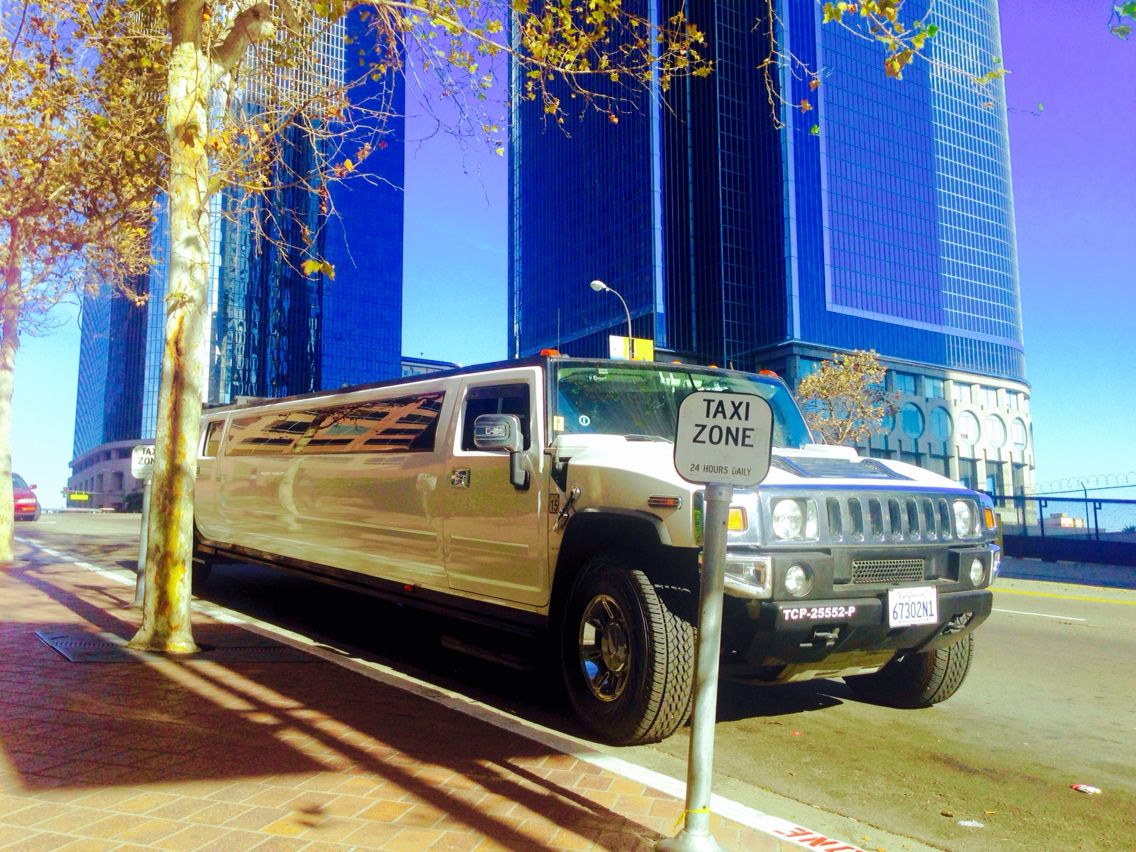 #SerpentineLimo offers great Anaheim Hummer Limo rental deals for your bachelorette party celebration,  contact is at 714.724.3321 or click www.serpentinelimo.com for more information!