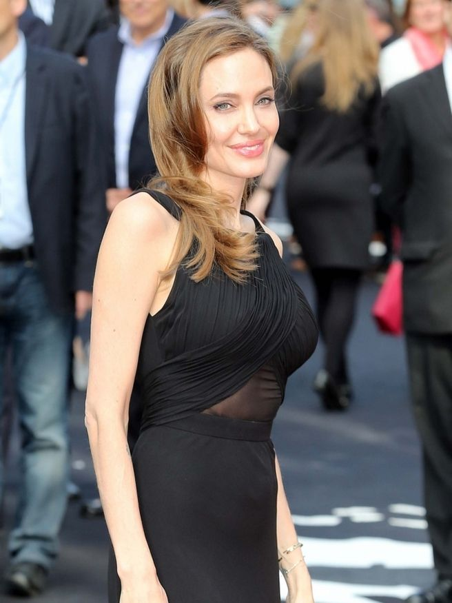 Angelina Jolie and Brad Pitt Are Legally Single - elle.com
