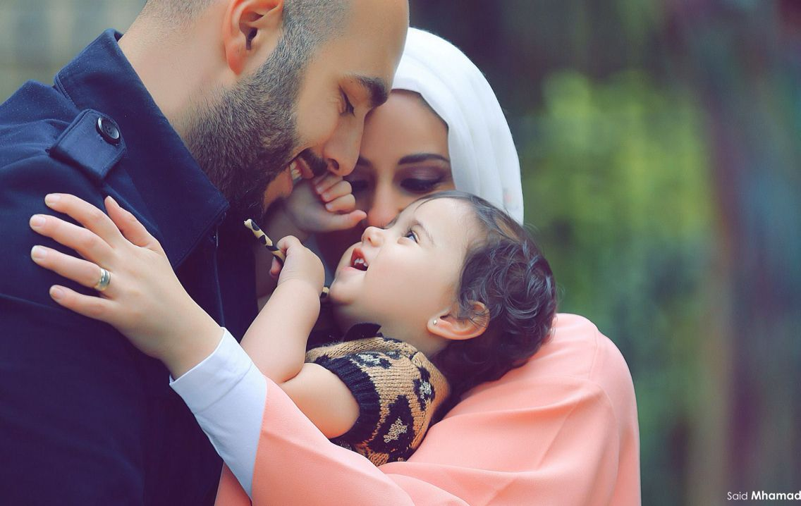 Family Love Mother Father Muslims Baby Islam Hijab -9990