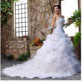 Superb Wedding dresses big trailing Europe and America us type