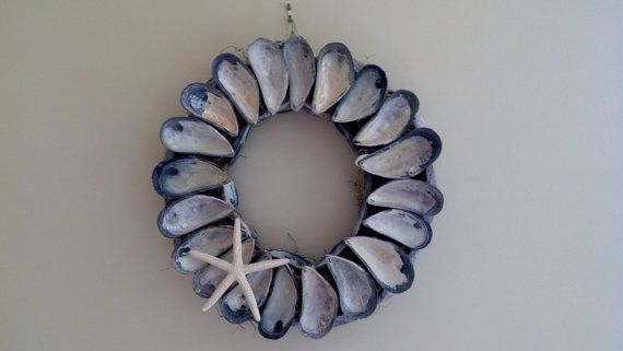 Maine Mussel Shell Wreath -   12 mussel shell crafts ideas