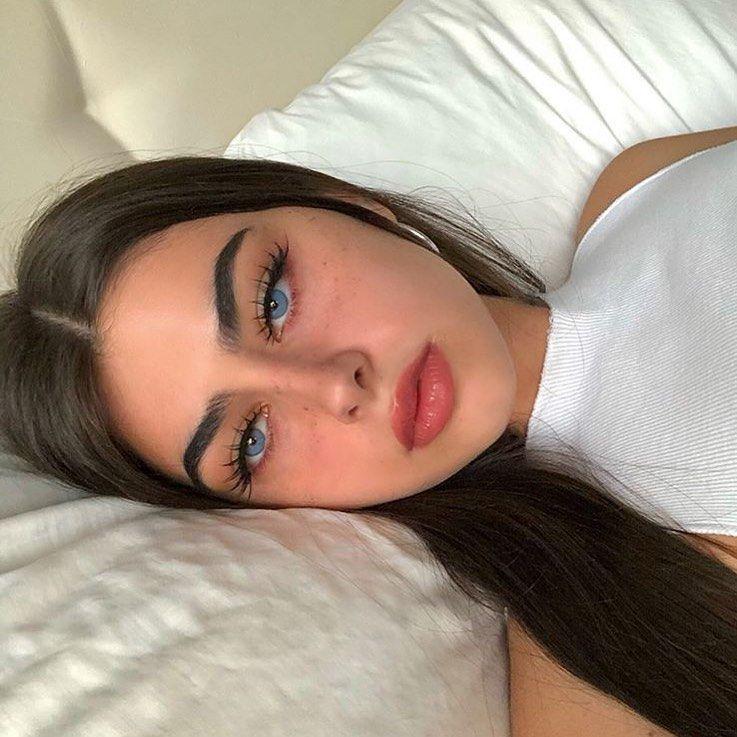 "jeslennys💎 en Instagram: ""Por @ffjolla. . . . . . . . . . . . . . #estética #aesthetictumblr #publicaciones estéticas #aestheticfeed #blueaesthetic # bluetumblr … """