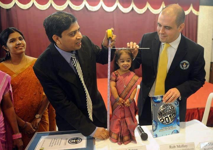 Worlds shortest woman from INDIA!! Looking just like doll..