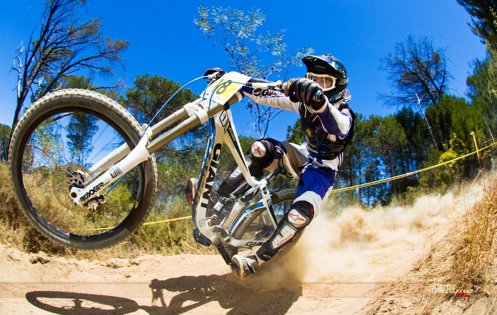 Background wallpapers MTB Downhill
