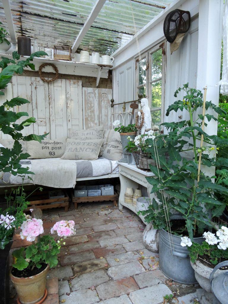 Pflanzzimmer Gartenzimmer Eingerichtet Im Shabbychic Hortensienblute Im Juli Pflanzen Zimmer Raum Im Freien Wintergarten Gestaltung