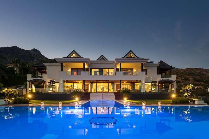 Luxurious Modern Villa Marbella Golden Mile Penthouse For Sale Marbella Villas Marbella