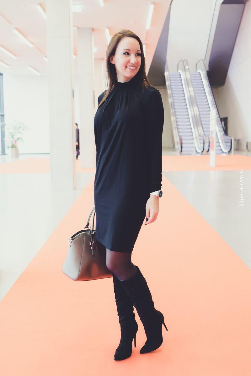 Schwarzes kleid strumpfhose schuhe
