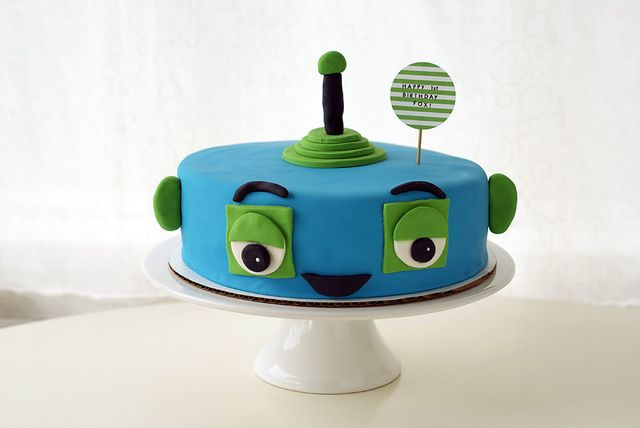 Robot smash cake