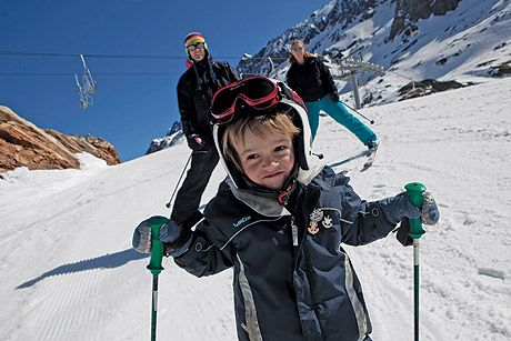 Video: Why late season skiing is best for families - Telegraph