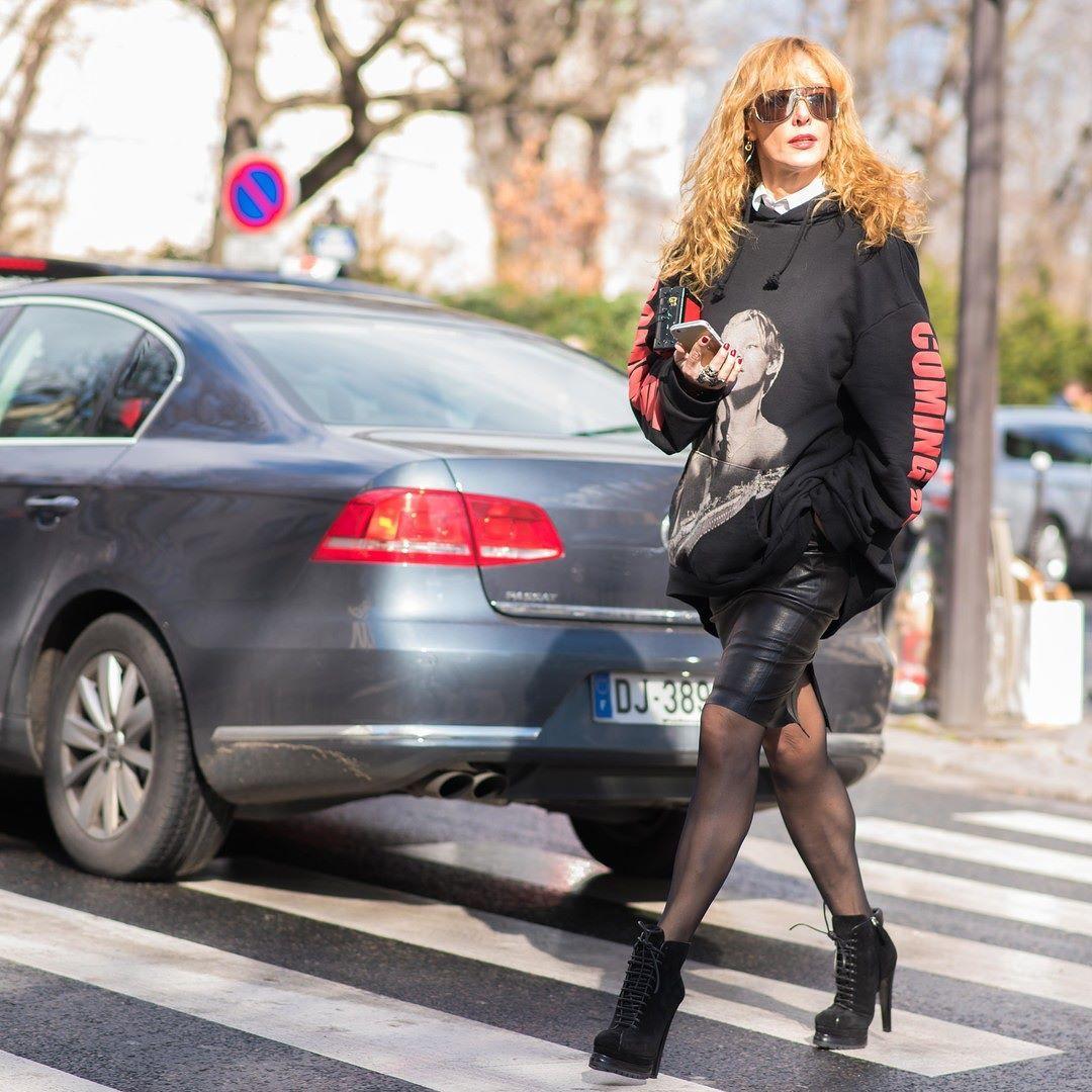 #LubakiLubaki | #AlexandreGaudin  @Elina_Halimi #Before @Giambattistapr #PFW  www.lubakilubaki.com by Alexandre Gaudin  #StreetStyle #ElinaHalimi #Wearing #Vetements #Photo #NoFilter #Look #StreetFashion #Mode #Moda #Outfit #Fashion #FashionWeek #FashionWeekParis #PFW16 #FW16 #Womenswear #GiambattistaValli #Paris http://ift.tt/1pHN1Uz