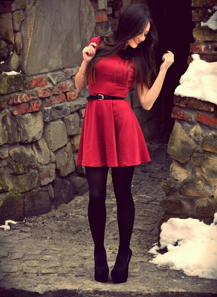 red skater dress with black stockings and blanck shoes 3