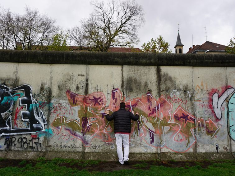 30 years after the fall of the berlin wall in photos on berlin wall id=52500