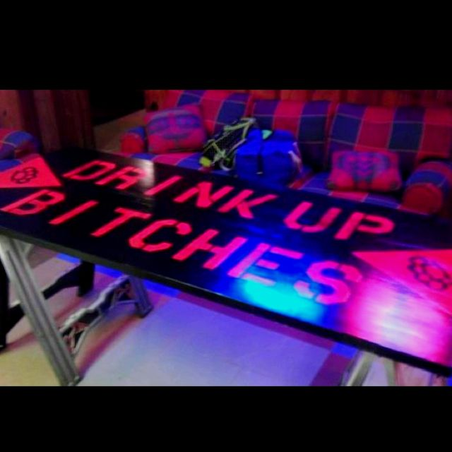 Make A Beer Pong Table Out Of A Old Door