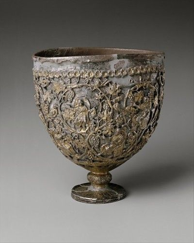 """El Antioquía """"Cáliz"""", hace entre 500-550. Cuando se descubrió originalmente en el siglo 20, se hizo famoso como el """"Santo Grial."""" Los eruditos han puesto la identificó como una lámpara de pie usado en una iglesia."""