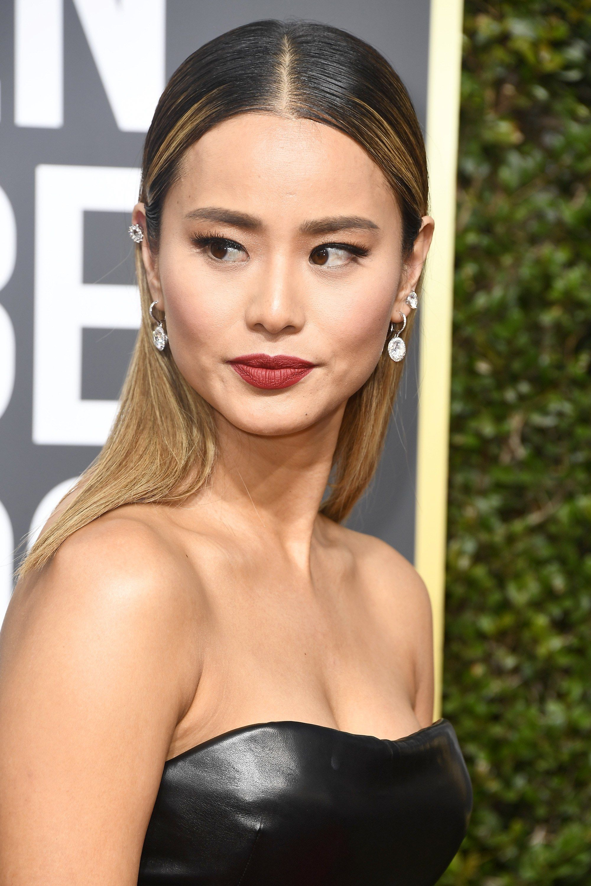 The 16 Golden Globes Beauty Looks That Slayed the Red Carpet in 2019 ... 559aa0bd36a