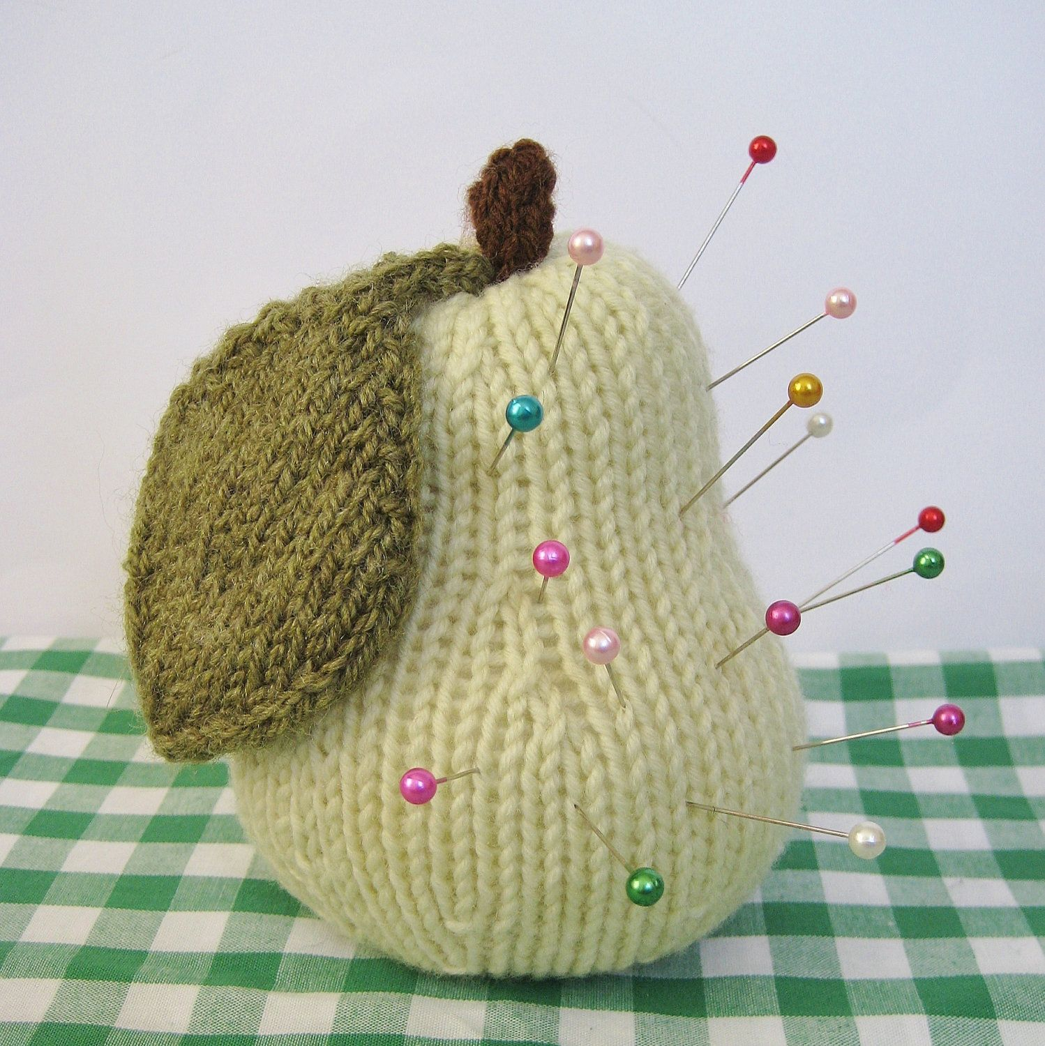 Apple and Pear fruit pincushions knitting patterns by fluffandfuzz ...