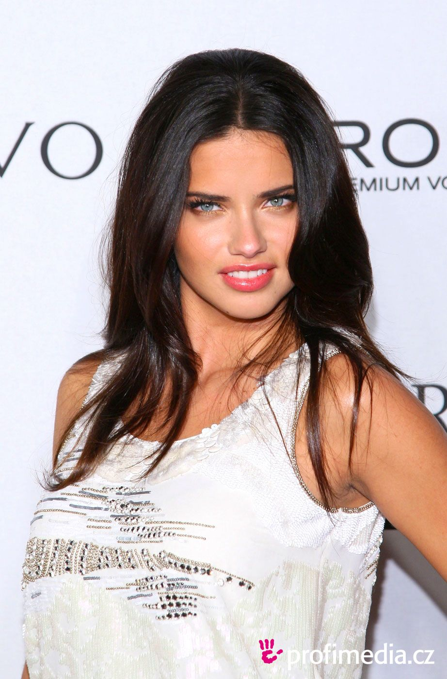 Adriana lima hairstyles 2014 - Adriana Lima Hairstyles Pictures Jpg 922 1400