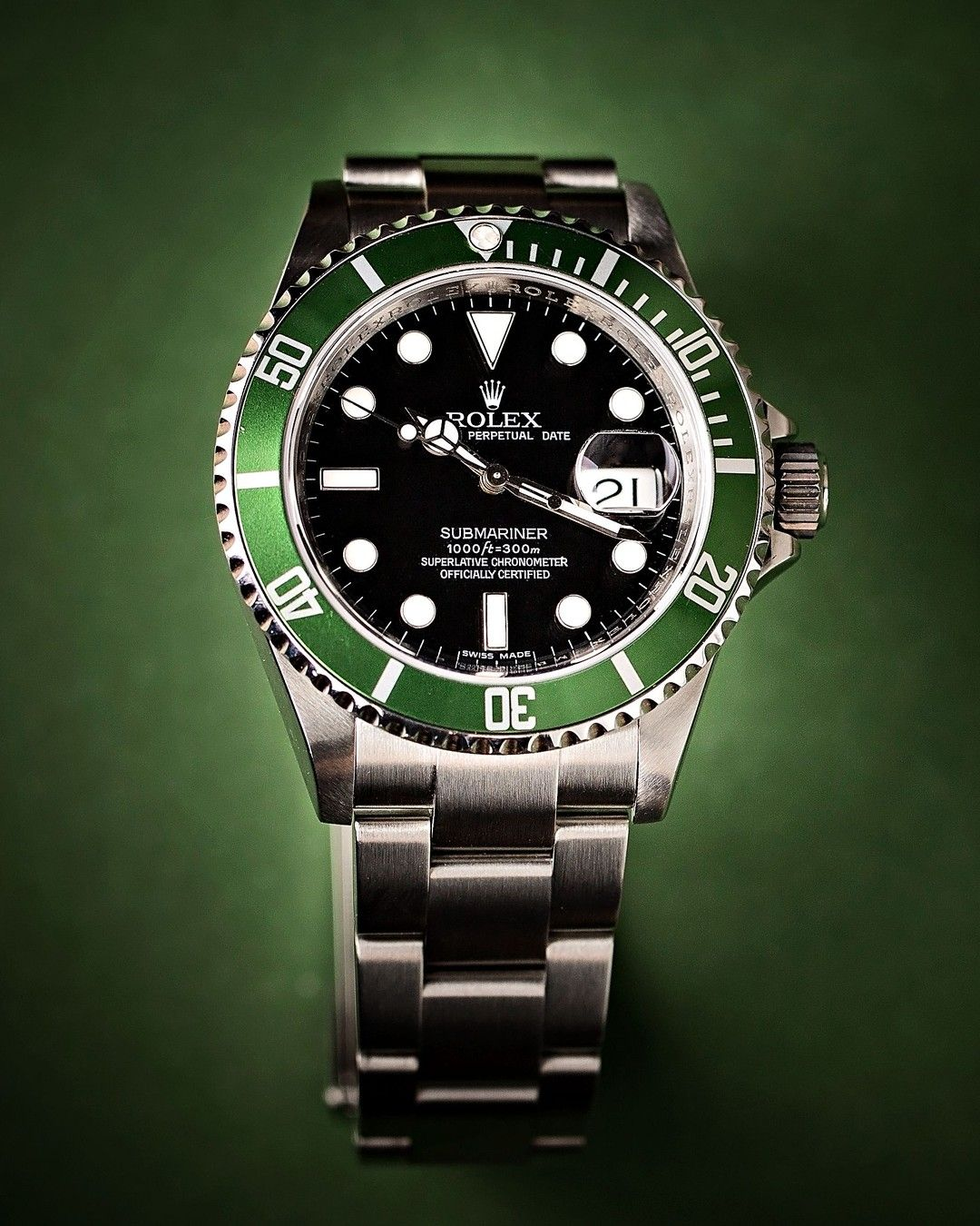 Pre Owned And Used Rolex Submariner Hulk Used Rolex Submariner Rolex Watches For Men Rolex Submariner Green