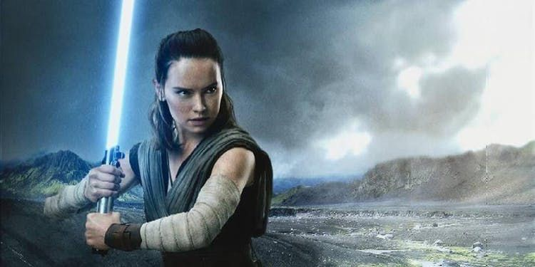 Star Wars 9 Spoilers New Comic May Solve Mystery Of Luke S Lightsaber Rey Star Wars Star Wars Theories Star Wars Luke