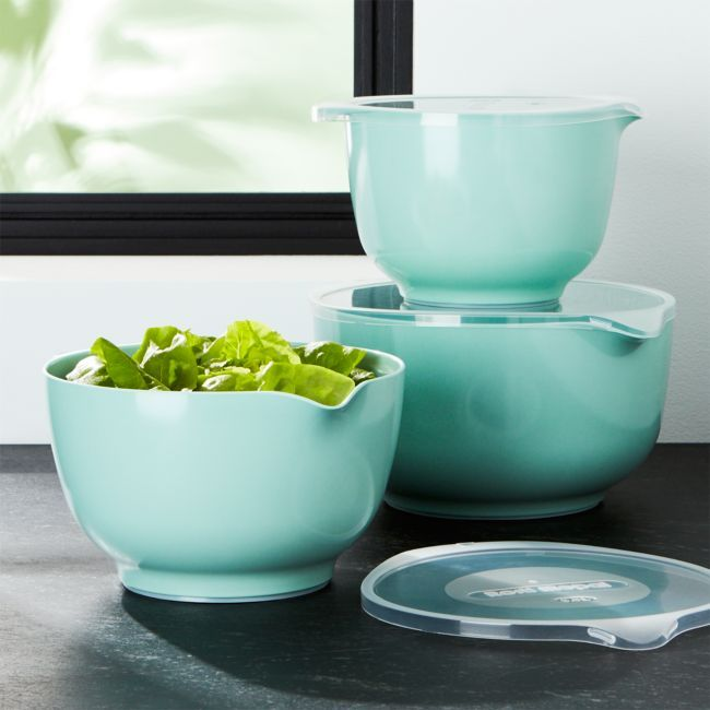 Rosti Retro Green Melamine Mixing Bowls With Lids Set Reviews Crate And Barrel In 2020 Melamine Mixing Bowls Mixing Bowls Mixing Bowls Set