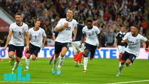 المنتخب الإنجليزي يواجهة هولندا وإيطاليا With Images Sports Soccer Field Soccer