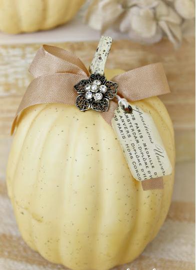 Vintage charmer Halloween Pumpkins