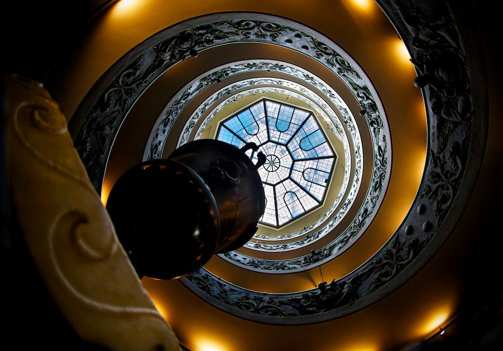Double Helix Spiral Staircase   Vatican Museum (photo By Daniel Peckham)
