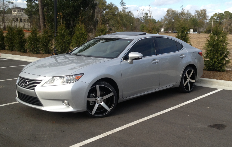 2013 lexus es 350 with custom rims auto dreams. Black Bedroom Furniture Sets. Home Design Ideas