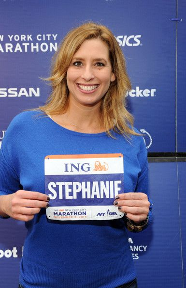 Stephanie Abrams Body Measurements: Height, weight and bra