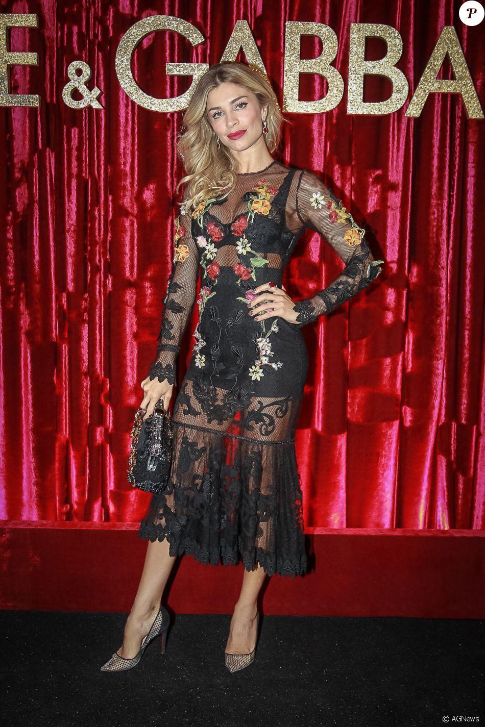 bbc8cd4e2 Grazi Massafera ousou na festa da Dolce & Gabbana ao escolher look  transparente com lingerie preta aparente