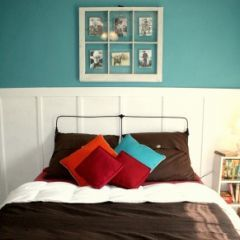 Teal walls...red, coral and brown accents.