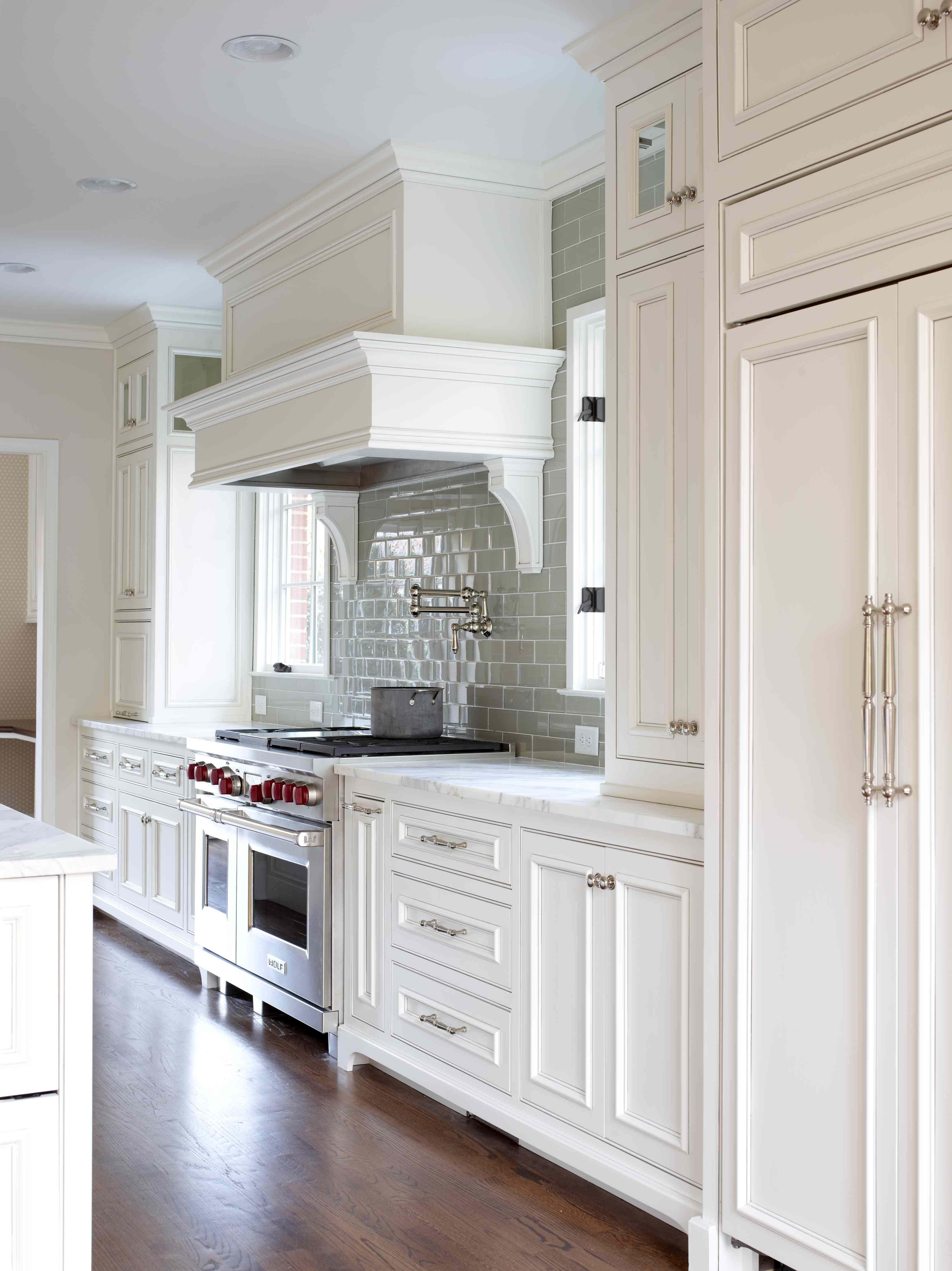 Mid Century Remodel L Kae Interiors Kitchen Design Home Kitchens Kitchen Remodel