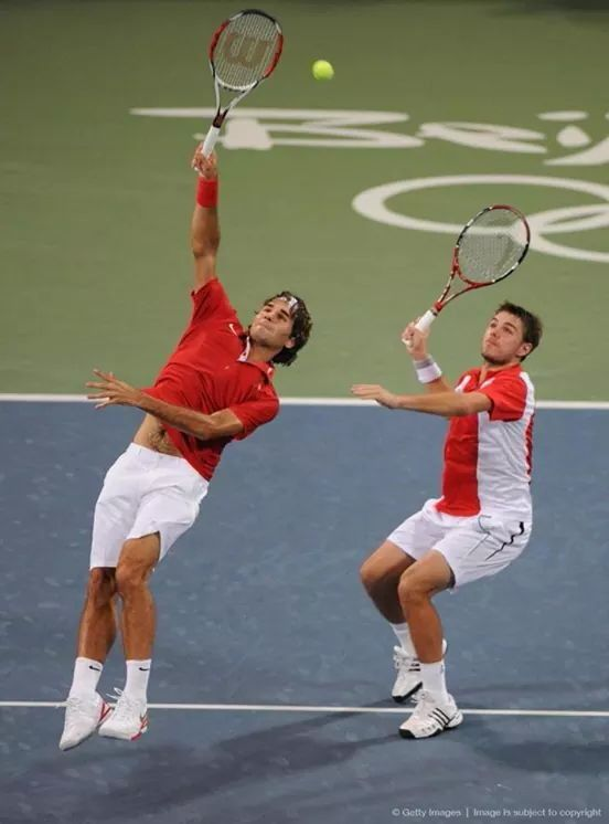 Swiss Team Stansilas Wawrinka Roger Federer Beijing China 2008 They Win Doubles Gold Medal Tennis Doubles Roger Federer Tennis Legends