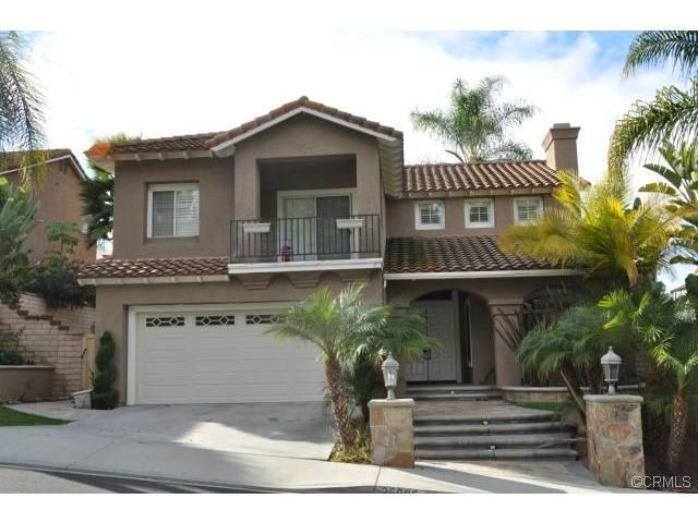Best Tile Roof Stucco Pale Terracotta Trim Off White 640 x 480
