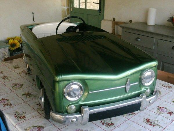 renault 8 devillaine av voitures p dales pinterest. Black Bedroom Furniture Sets. Home Design Ideas