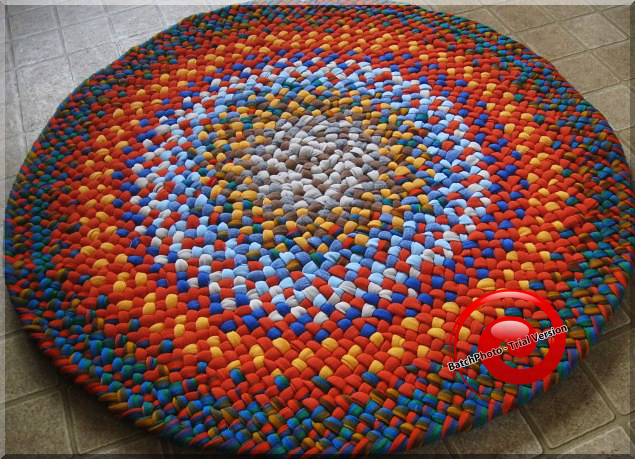 Ppinss 11 Diy Doormats Outdoor Rugs In How To Make A Beginner S Braided Rug You Searched For Braid In 2020 Braided Rug Diy Round Braided Rug Braided Rag Rugs